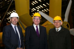 Energy Minister (centre) with Mark Holmes (left and Graeme Mackie